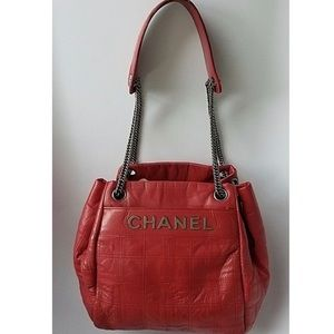 RARE 💎✨Chanel Red Quilted Drawstring camera Bag